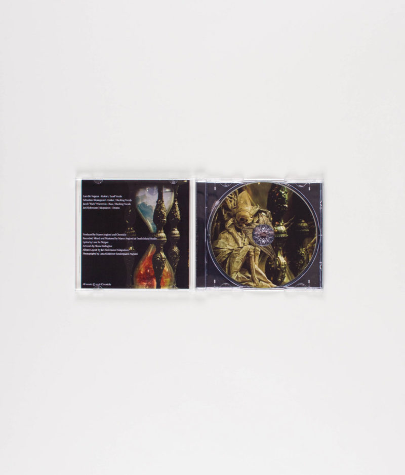 chronicle-memento-mori-cd-open