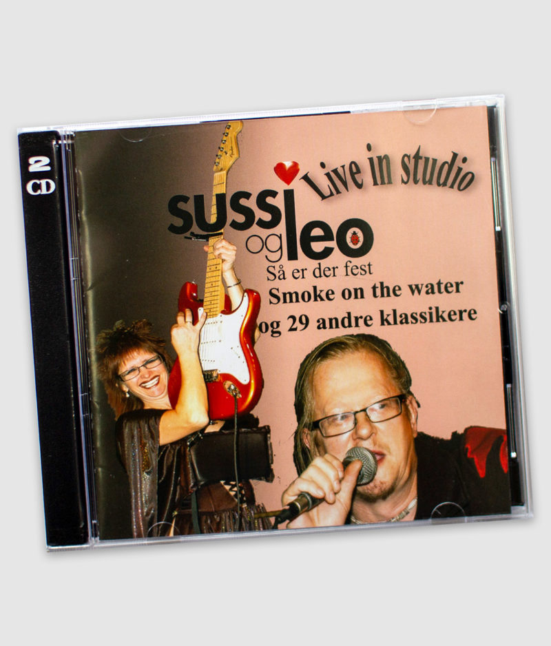 sussi leo-cd-live in studio-front