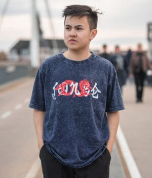 t0nse-tshirt-indigo white-model-1