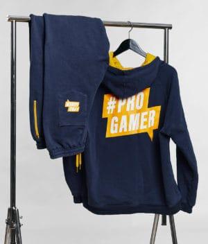 comkean-progamer-hoodie-sweatpants-hanging