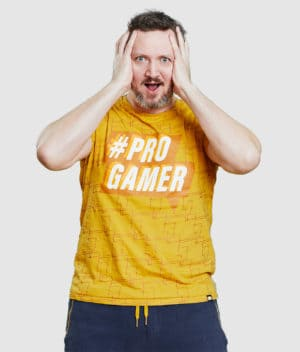 comkean-progamer-tshirt-sun-yellow-modeled